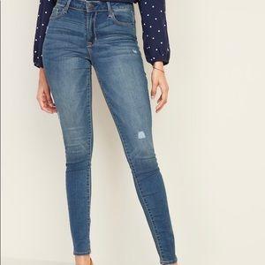 Mid-rise blue jeans